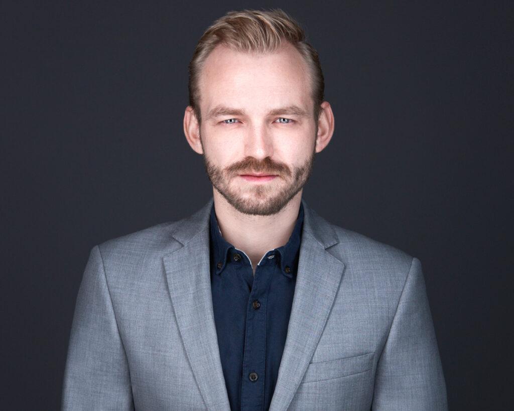 Opposisjonsleder Adrian Tollefsen