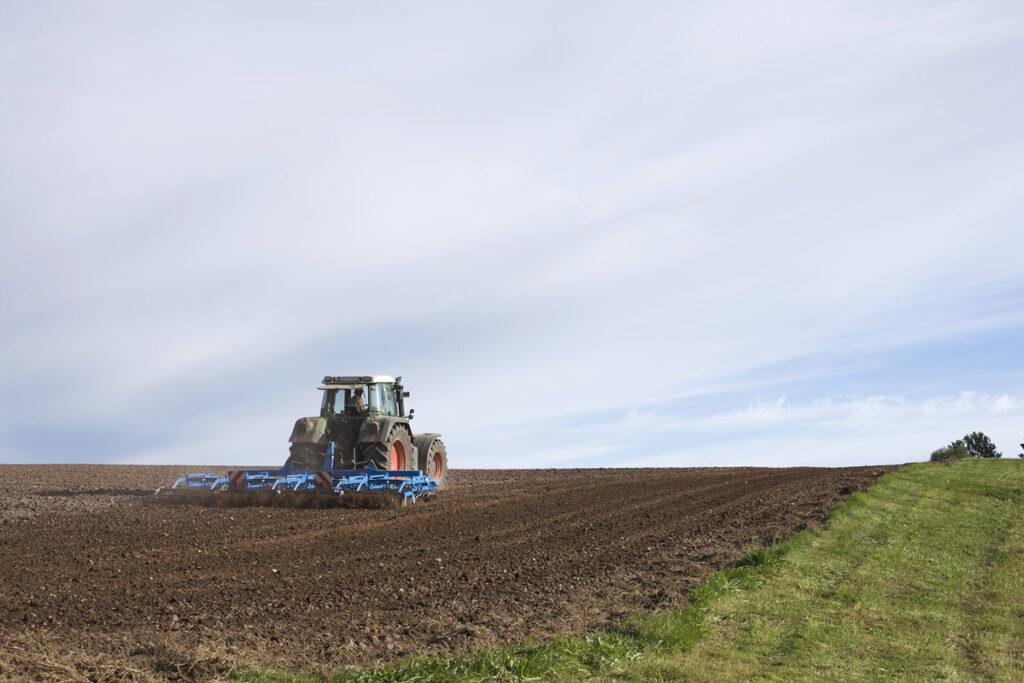 Traktor og vårånn